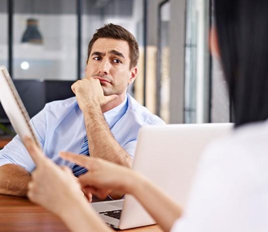 Jak rozwiązać umowę o pracę
