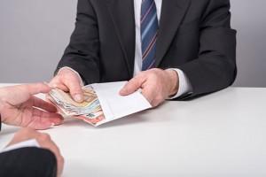 Praca za granicą? Sprawdź gdzie najkorzystniej zmieniać walutę