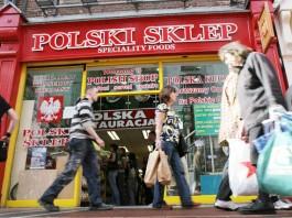 Czy Polacy w UK biorą kredyty? Ile zarabiamy na emigracji?