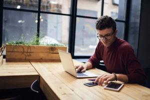 Praca na własne nazwisko, czyli kilka porad dla freelancerów