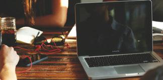 Ile cali powinien mieć laptop?