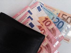 Kredyty frankowe – możliwe roszczenia konsumentów wobec banków