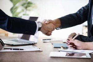 Umowa darowizny - co to jest i jak się ją stosuje?